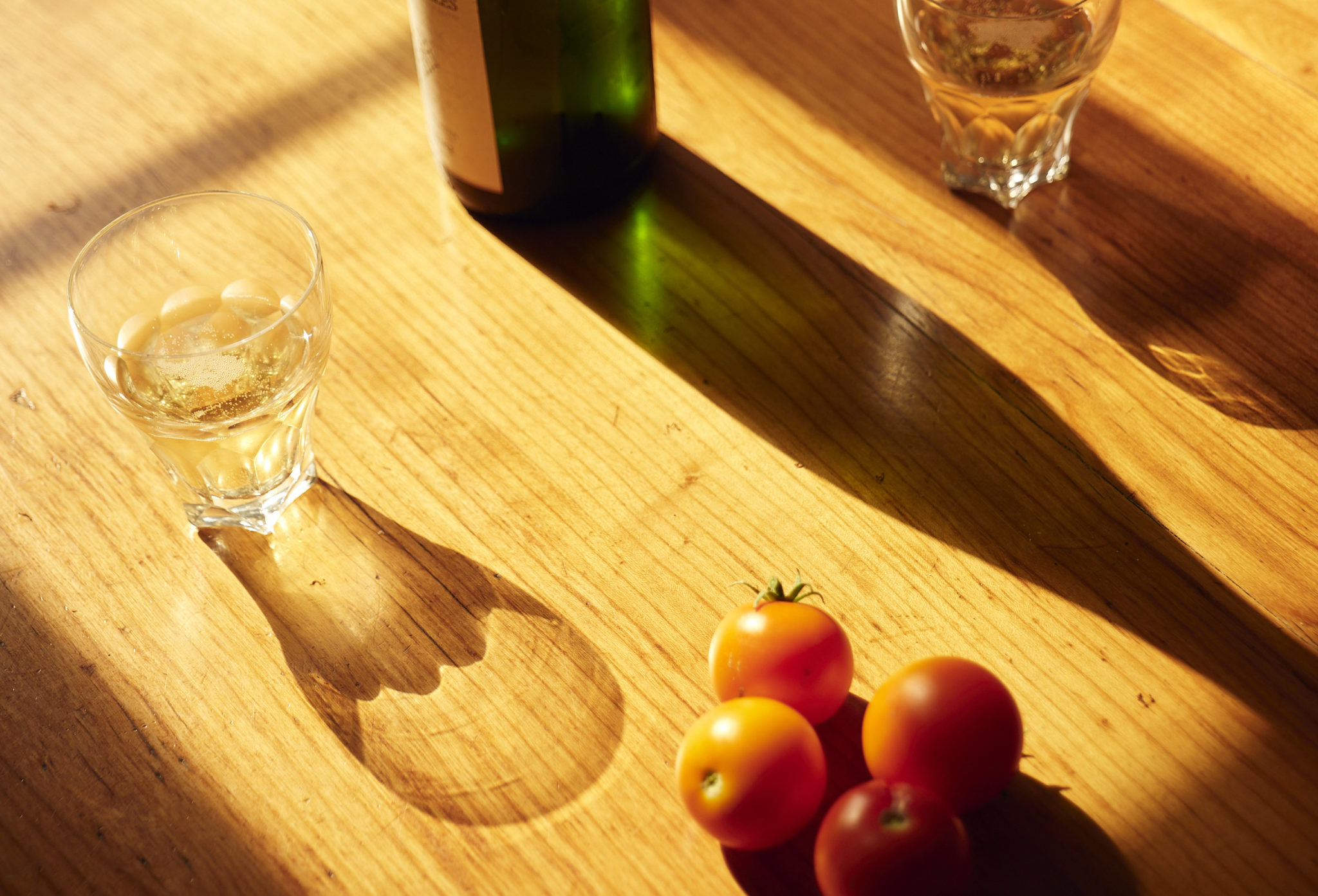 kitchen table with tomatoes