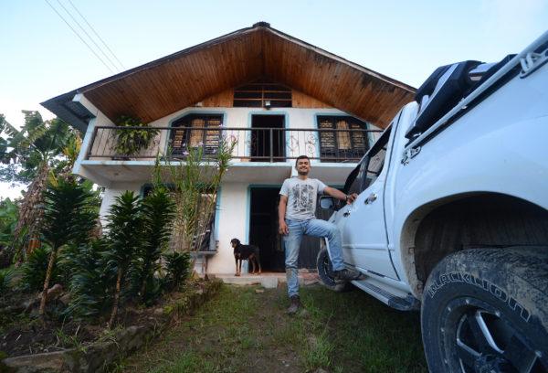 Oscar in front of his house on Finca Los Nogales